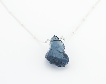 Raw Grey-Blue Stone Necklace, Iolite Quartz Pendant, Wedding Jewelry Gift, Layering Necklace, Boho Bride, Something Blue, NK-ST