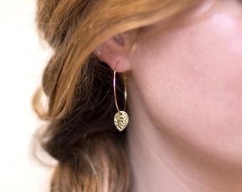 Nature Earrings, Leaf Charm Hoops, Simple Hoop Earrings, Everyday Hoops, Gold Leaf Earrings, Simple Earrings, Girlfriend Gift, HP-CM