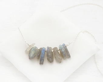Flashy Labradorite Necklace, Raw Crystal Jewelry, Spectrolite Necklace, Aurora Borealis Gemstone, Celestial Necklace, Gift for Girlfriend