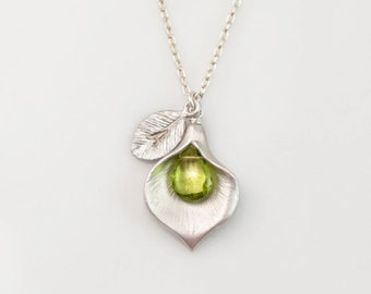 Peridot Birthstone Necklace, August Birthday Gift, Custom Initial Mom Jewelry, Personalized Silver Pendant, Floral Boho Calla Lilly Necklace