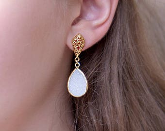 Natural White Druzy Gold Dangle Earrings, White Sparkle Stone, Bridal Party Earrings, Raw Gemstone, Gift for Bridesmaids, Gold Post Earrings