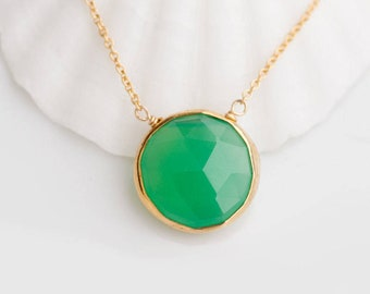 Mint Green Chrysoprase Necklace, Gemstone Necklace, Round Pendant Necklace, Modern Bride, Everyday Necklace, Layering Necklace, Gift for Her
