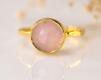 Pink Chalcedony Ring Gold, October Birthstone Ring, Rose Quartz Stone Ring, Gemstone Ring, Stackable Ring, Round Stone Ring