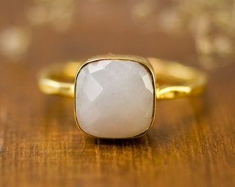 White Agate Gemstone Ring Gold, Gemstone Ring, Boho Ring, Gold Ring, Cushion Cut Ring, Gift for Her, Bridesmaid Ring, Statement Ring