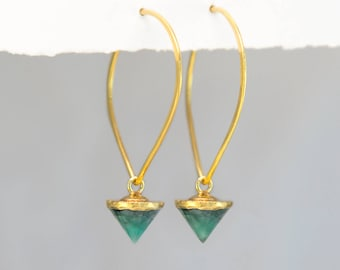 Gem Spike Geometric Hoops, Raw Emerald Earrings, Gold Hoops, Natural Gemstone Earrings, Edgy Jewelry, Statement Earrings, Gemstone Spikes