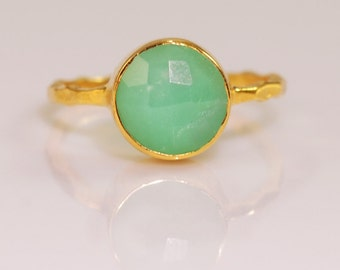 Sea Foam Green Chrysoprase Ring Gold, Solitaire Ring, Gemstone Ring, Stacking Ring, Round Ring, Boho Ring, Green Stone Ring