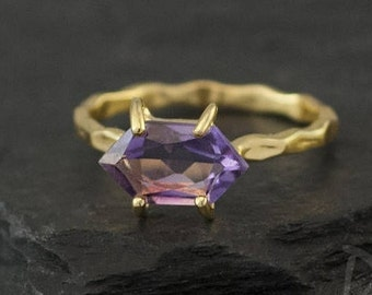 Purple Amethyst Ring Gold, February Birthstone Ring, Mothers Ring, Stackable Birthstone Rings, Marquise Prong Set Ring, Unique Ring, RG-MQ