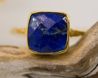Lapis Lazuli Ring Gold, Square Gemstone Ring, September Birthstone Ring, Blue Stone Ring, Stackable Statement Ring, Gift for Her