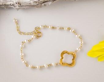 White Pearl Bracelet - Clover Bracelet - Gold Four Leaf Clover Bracelet - Gold bracelet - Wire wrapped bracelet