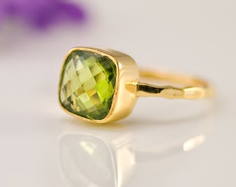 Green Peridot Ring Gold, August Birthstone Ring, Cushion Cut, Solitaire Ring, Green Stone Ring, Stackable Stone Ring, Gift for Mom