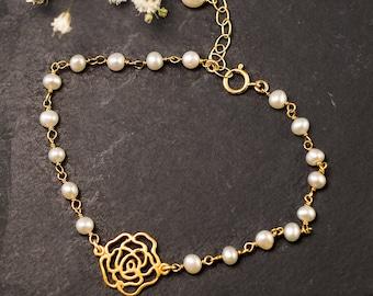 White Pearl Bracelet - Gold Rose Bracelet - Gold bracelet - Wire wrapped bracelet - bridesmaid bracelet
