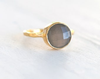 Natural Grey Moonstone Ring, Celestial Jewelry, Gold Vermeil Stacking Ring, Round Moonstone Ring, June Birthstone Gift, Hammered Band Ring
