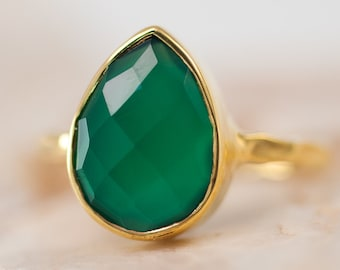 Green Onyx Ring Gold - Green Stone Ring - Stacking Ring - Gold Ring - Tear Drop Ring - Solitaire Ring
