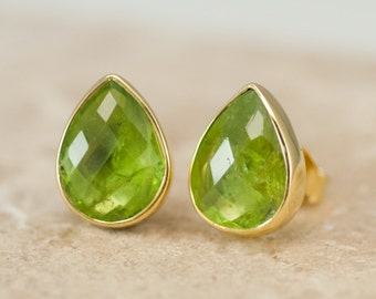August Birthstone Earrings, Peridot Crystal Stud Earrings, Tear Drop Gemstone Studs, Simple Green Stone Earrings, Birthday Gift