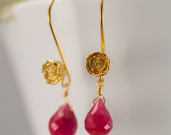 July Birthstone Earrings - Ruby Earrings - Gold Earrings - Flower Earrings