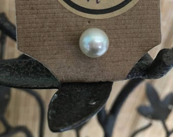 "Vintage 80's ""PEARL STUD""  Tie Tack  by Metal City"