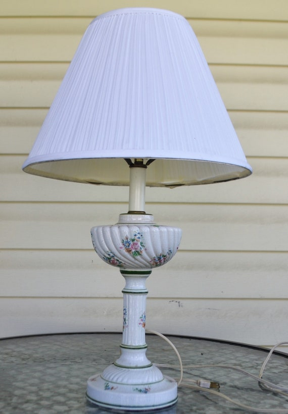 Vintage White Porcelain Hand Painted Lamp W Green Rings