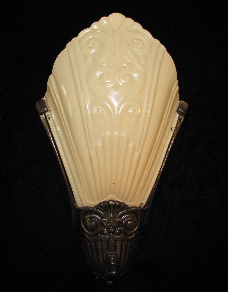 sports shoes dbc56 88dfa Vintage Art Deco Slip Shade Wall Sconce FREE SHIPPING to the USA & Canada