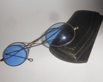 57789d7a33f3 Blue Lens Pre-Civil War Era Glasses -Jointed Steampunk Antique 1700-1800s  Sunglas Gothic Civil War Victorian Folding Arm Eyewear   Case