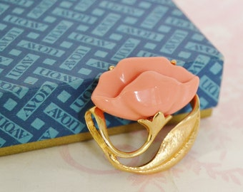 Vintage 1981 Sea Treasure Brooch in Gold Metal with Coral Flower in Box by Avon