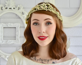 Vintage 1940s/1950s Cream and Green Berry Flower Crown