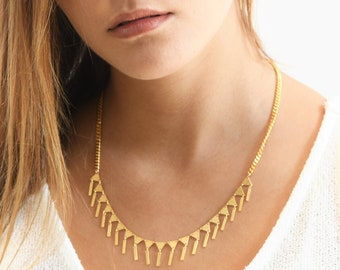 triangle necklace, Geometric necklace, Statement necklace, Gold necklace, Everyday necklace, flags chain, V necklace, Gold Banner necklace