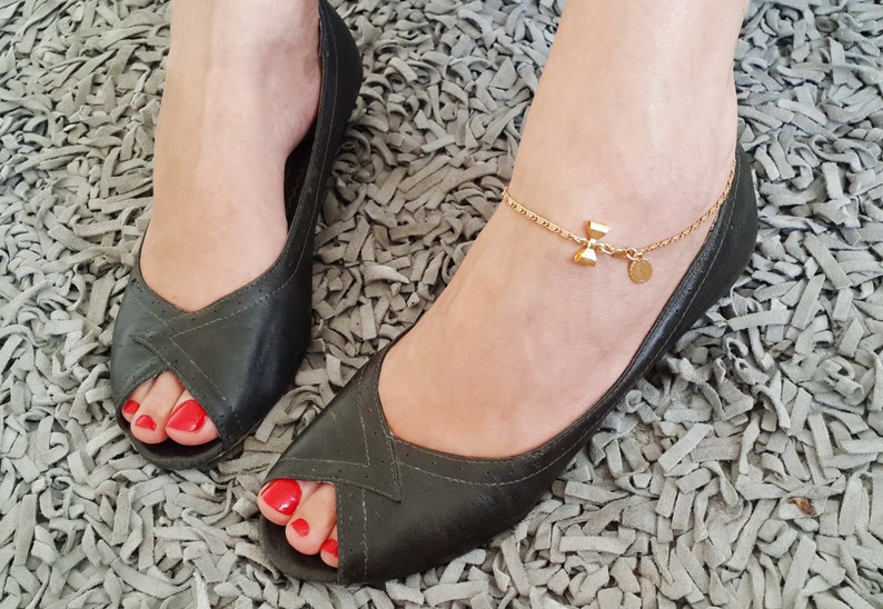 Runners jewelry Foot Jewelry Ankle Bracelet bridesmaids gift gift under 20 Delicate Anklet Gold Bow anklet Dainty anklet