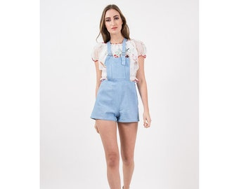 Vintage shorteralls / 1940s 1950s short shorts overalls / Pale blue chambray romper playsuit / Adjustable straps / S