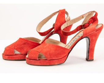 Vintage Norma Kamali red suede peep toe strappy platform pumps / 1980s does 1940s / 8
