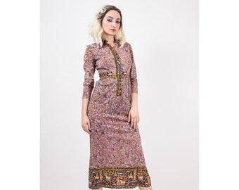 1970s Novelty print / Vintage maxi dress / The Rosalee / Column shaped button front / Pastoral figural print / S