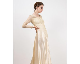 f505a2db70bd7 1930s Wedding dress   Vintage silk and lace gown   Champagne satin   Sweetheart illusion neckline   Ivory Art deco style bridal   XS