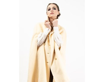 Vintage Ivory white wool mohair cape / 1960s Mod style capelet with pockets / One size