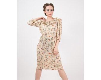 Vintage Miss O Oscar de la Renta / 1980s Champagne silk damask floral print dress with pockets / Ruffle neck / Button back / S M