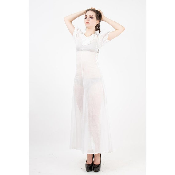 1930s dress / Vintage white sheer cotton voile gow