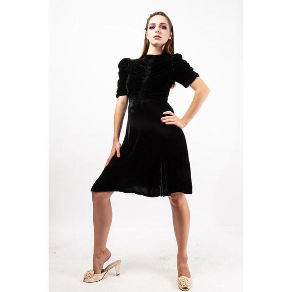 1930s black silk velvet dress / Vintage puff sleev
