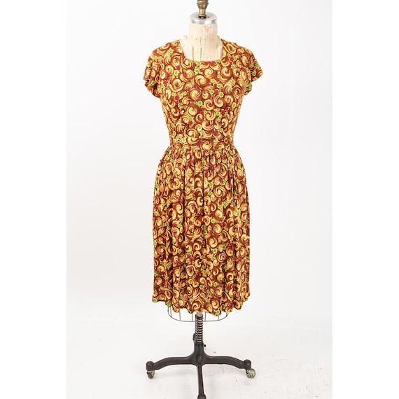 1940s dress / Vintage rayon jersey novelty floral… - image 3