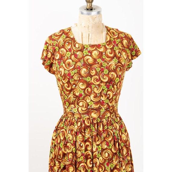 1940s dress / Vintage rayon jersey novelty floral… - image 7