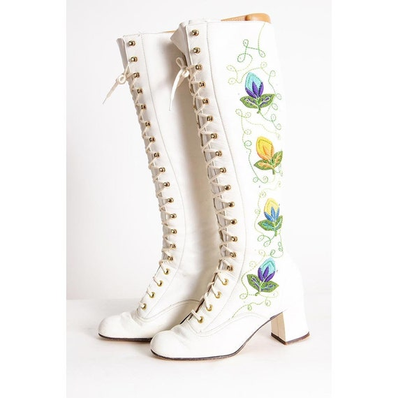 Vintage 1960s white leather granny boots / Penny L
