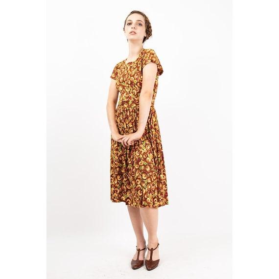 1940s dress / Vintage rayon jersey novelty floral… - image 2