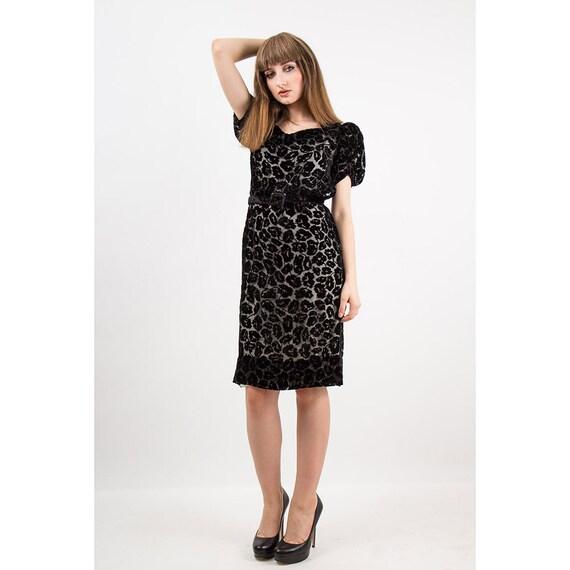 1930s dress / Vintage 30s Black silk velvet burno… - image 3