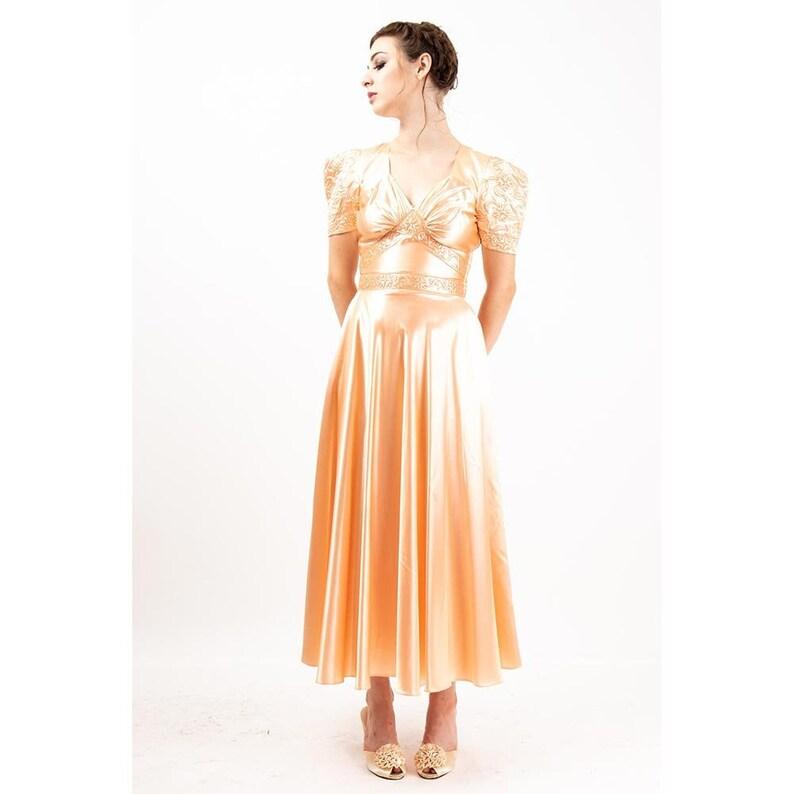 1940s dress / Vintage peach bias cut slipper satin trapunto image 0