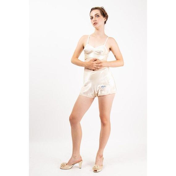 1940s tap pants / Vintage satin high waist panties