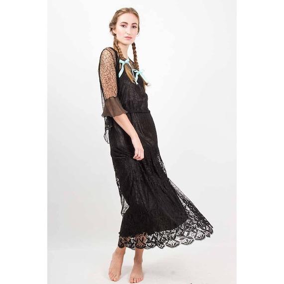 1920s dress / Vintage spider web lace dress slip j