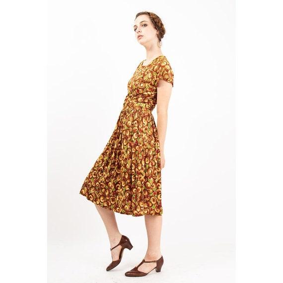 1940s dress / Vintage rayon jersey novelty floral… - image 8