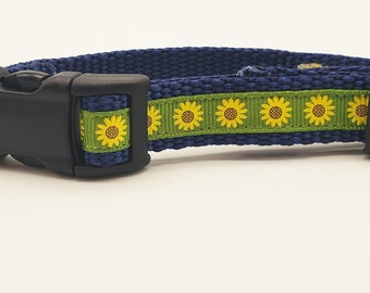 Personalized 5/8 inch wide adjustable small pet collar with sunflowers. Pick Your Colors! FREE SHIPPING!