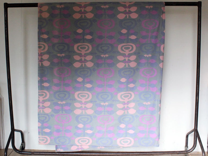 Vintage 1960s Furnishing Fabric Pink /& Purple Flower Print