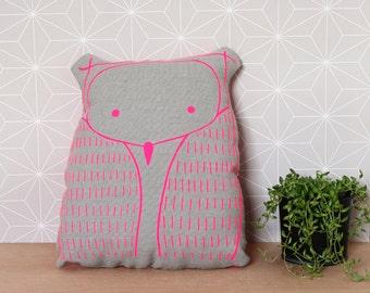 Linen owl shaped pillow