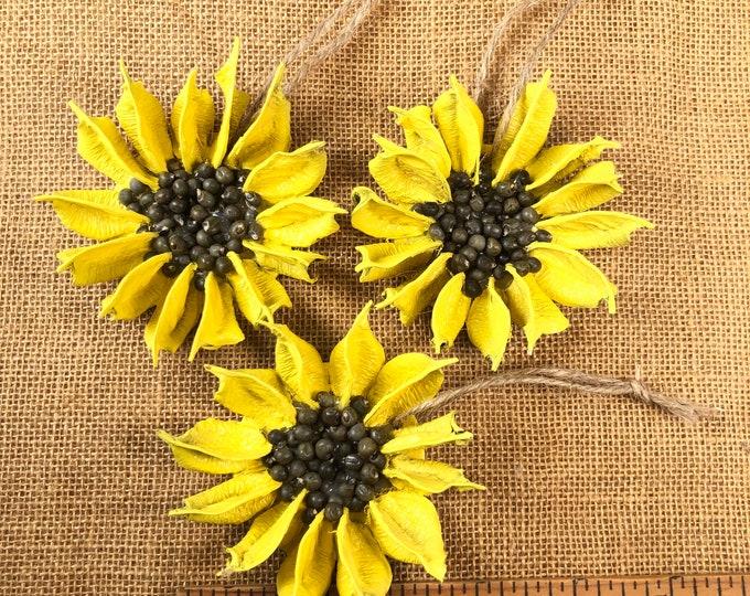 Sunflower, Small Sunflower, 3 inch Yellow flower, Sunflower Wedding, Natural Christmas, Farmhouse decor, Wedding gift, Rustic, Kansas