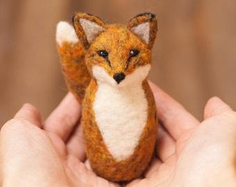 Needle Felting Kit - Red Fox - Beginner - Craft Kit - Felt - Christmas Gift - Winter Crafting - Learn to Felt - Complete Kit - Tutorial