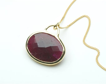 Faceted oval ruby and 18 ct gold pendant necklace - Double sided ruby pendant - Christmas Gift - Birthday Present - Anniversary present
